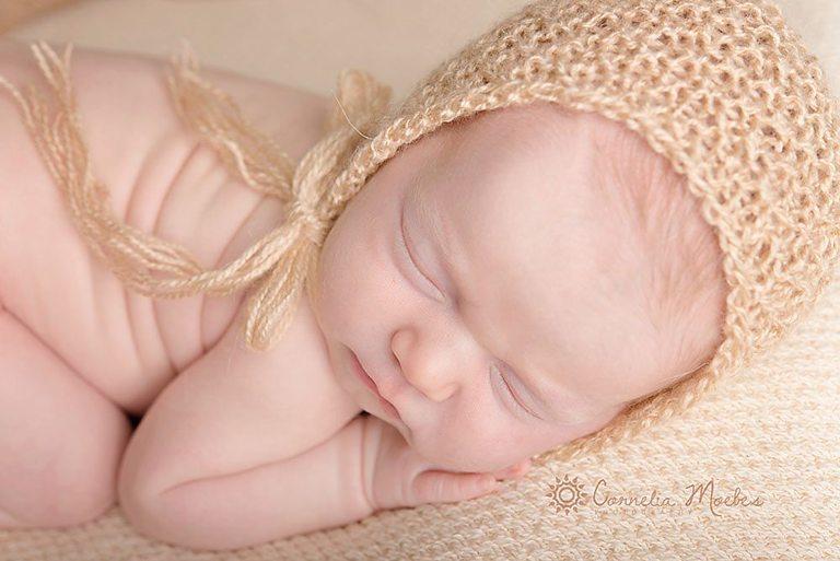 Neugeborenenfotografie-Neugeborenenfotos-Babyfotografie-Babyfotos-Babyfotografin-newborn photography-Fotografie Zug Zürich Luzern-Cornelia Moebes Photography-S17