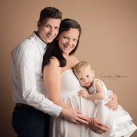 Schwangerschaftsfotos Schwangerschaftsfotografie Babybauch Shooting Babyfotografie Neugeborenenfotografie Familienfotos Cornelia Moebes Photography Zug Zürich Luzern Aargau Schwyz