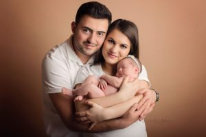 Neugeborenenfotografie Neugeborene newborn shooting Babyfotografie baby photography Familienfotos Cornelia Moebes Photography Zug Baar Zürich Luzern Aargau Schwyz