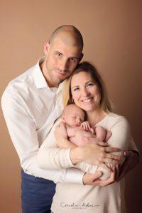 Neugeborenenshooting Neugeborenenfotografie Babyfotografie newborn shooting Babyfotograf Familie Cornelia Moebes Photography Zug Zürich Luzern Schwyz Aargau