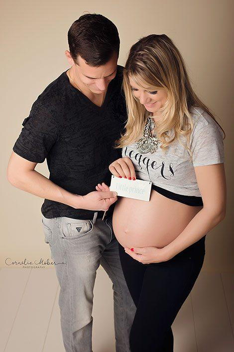 Schwangerschaftsbilder Schwangerschaftsfotografie Babybauch Shooting Mutterschaft Neugeborenenfotografie newborn shooting maternity photography Cornelia Moebes Photography