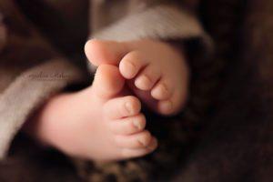 Neugeborenenfotografie Neugeborenenbilder newborn shooting Babyfotografie Neugeborene Cornelia Moebes Photografie Zug Zürich Luzern Aargau Schwyz