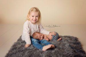 Neugeborenenfotografie Babyfotografie Babyfotografin Zug Zürich Luzern Schwyz Aargau newborn shooting baby portraiture Neugeborenenfotos Cornelia Moebes Photography