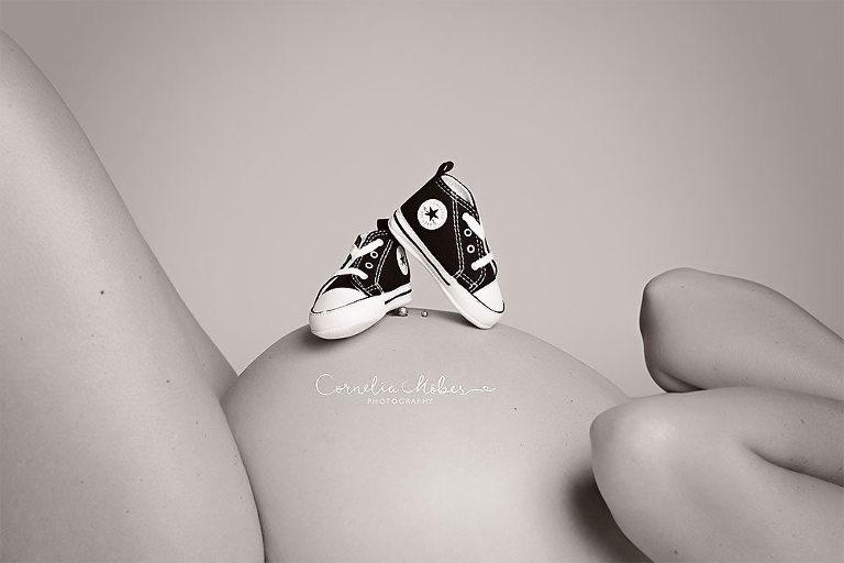 Schwangerschaftsfotografie Babybauchshooting Schwangerschaftsshooting Neugeborenenfotos newbornshooting Babyfotografie Cornelia Moebes Fotografie