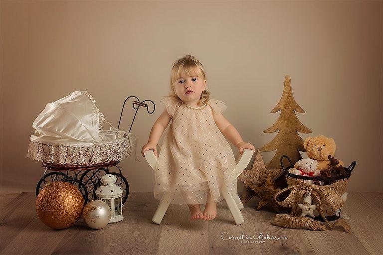 Weihnachtsshooting Christmas Minis Adventszeit Familienfotos Kinderportraits Weihnachtsportraits child portraits family photographer Cornelia Moebes Photography
