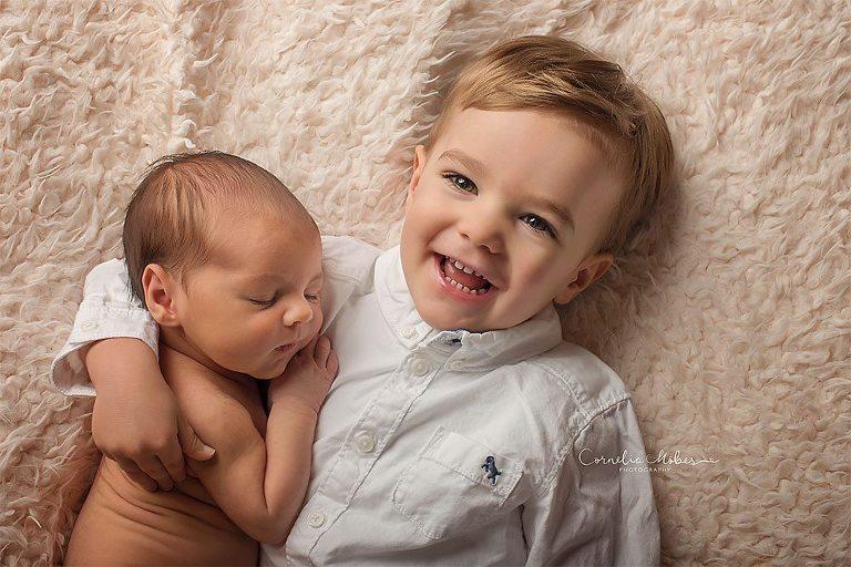 Neugeborenenshooting Neugeborenenbilder Neugeborenenfotografie Babyfotografie Babyshooting Kinderportraits Familienfotos Cornelia Moebes Photography