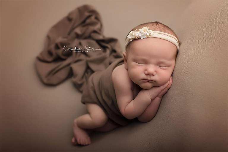 Newbornshooting Neugeborenenfotografie Babyfotografie Portraitfotograf Familienfotograf Cornelia Moebes Photography Zentralschweiz