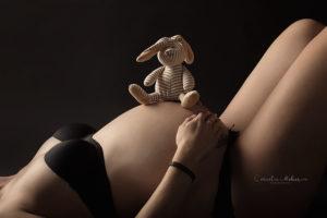 Schwangerschaftsfotografie Schwangerschaftsbilder maternity Babybauch Shooting Mom to be Mutterschaft Familienfotos Cornelia Moebes Photography Zug Zürich