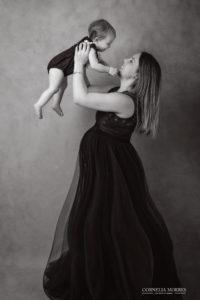Schwangerschaftsshooting Schwangerschaftsfotografie Babybauch Shooting maternity photographer maternity Portrait expecting mom Fineart Porträt Cornelia Moebes Photography Zug Zürich Luzern Zentralschweiz