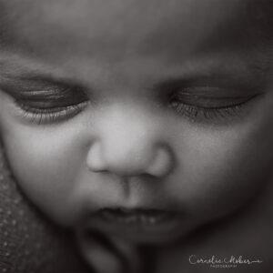 Familienportrait Family Photographer Zug Zürich Neugeborenenfotografie Neugeborenenfotos Newbornportraits Newbornshoot Newborn Baby Photographer Babyshoot Babyfotografie Portrait Familie Cornelia Moebes Photography
